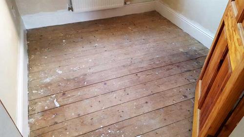 Pine-Bedroom-Before