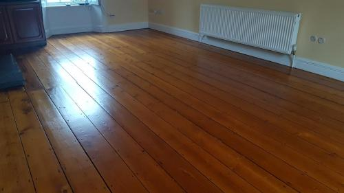 Medium Oak Stain on Pine Silkmatt