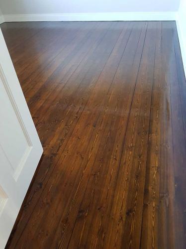 Pine & Brown Oak Stain